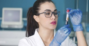анализ крови женщина
